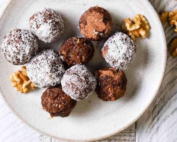 Vegan Walnut Chocolate Bliss Balls