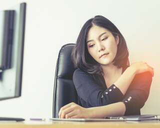 Sitting All Day? Tips To Avoid Back And Neck Pain