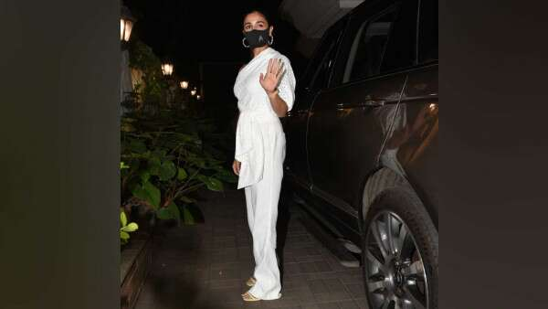 Looking Chic, Alia Bhatt Attends Sanjay Leela Bhansali's Birthday Bash