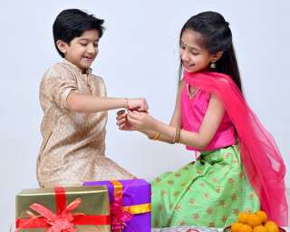 10 Gift Ideas To Spoil Your Siblings With On Raksha Bandhan