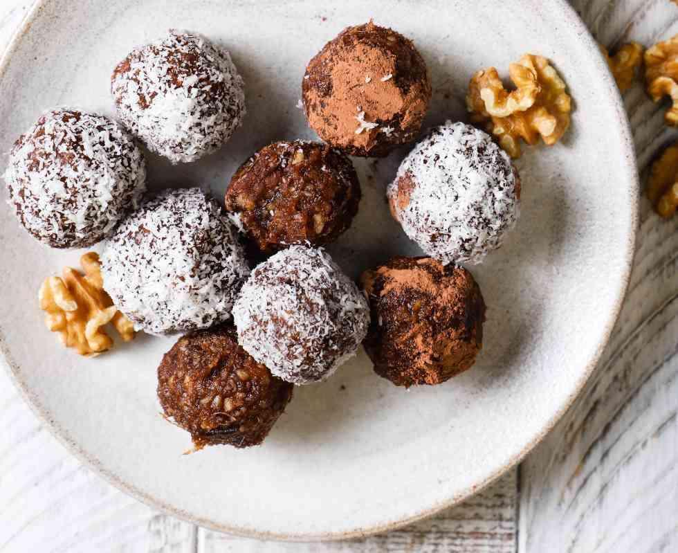 sm Vegan desserts - Walnut Chocolate Bliss Balls