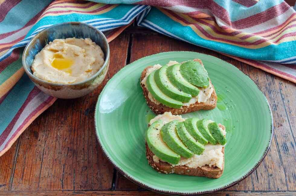 sm Vegan snack  Avocado Vegan Toast