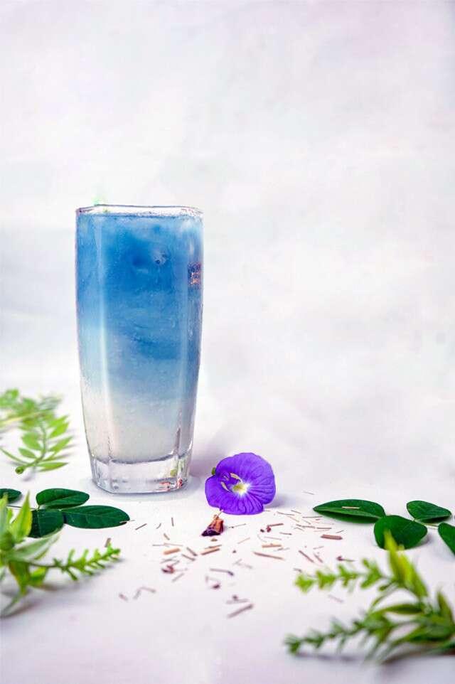 Iced Blue Mint Latte