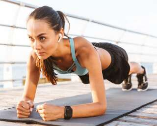 Health Benefits of Practicing The Plank Exercise Every Day