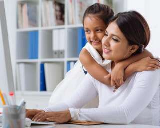 A Guide For Working Moms To Earn Financial Independence In 2021