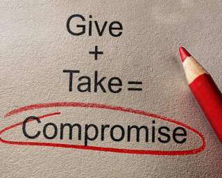 Know When To Compromise In A Relationship & When Not To!