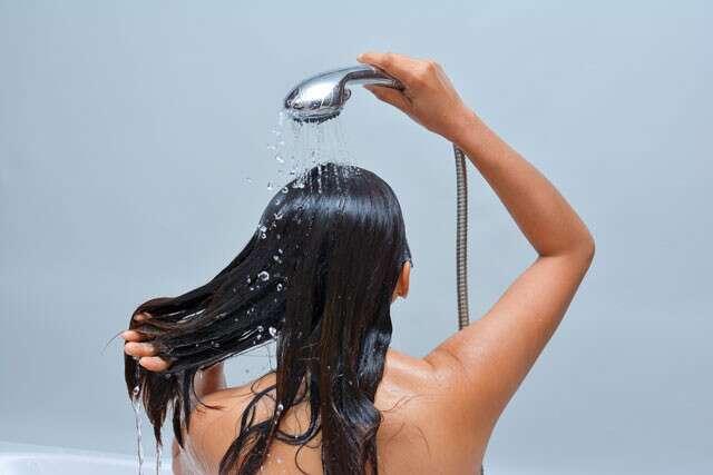 Wet hair treatment to reduce hair loss