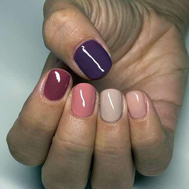 Tonal Nails