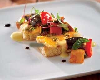 नाश्ता जो दिल ख़ुश कर दे: फ़ोकासिया ब्रेड, रैटैटुई और चेडर चीज़