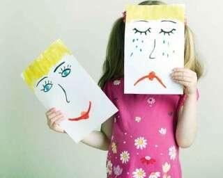 कैसे हैंडल करें पल-पल बदलते बच्चों के मूड को