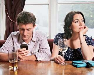 क्या दो साल होती है प्यार की एक्सपायरी डेट?