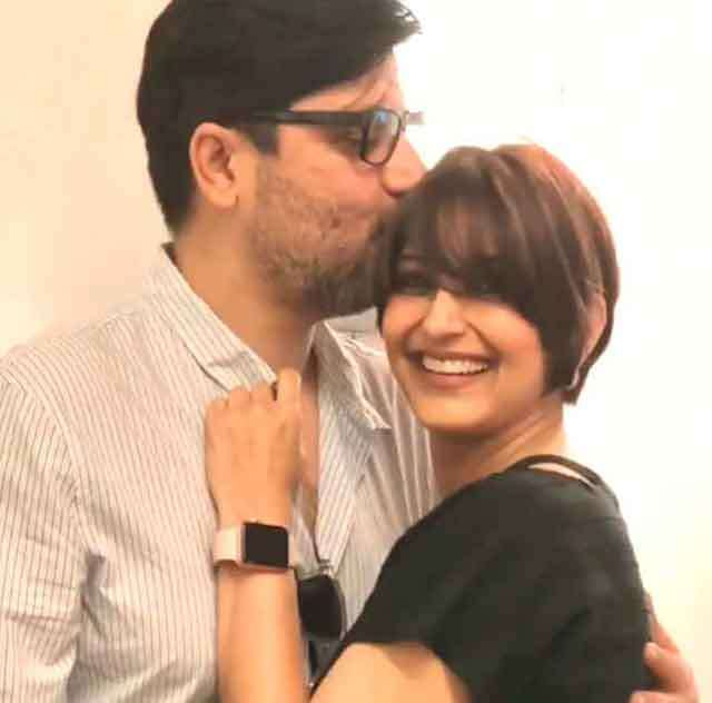 Sonali Bendre chopped her hair to fight with cancer