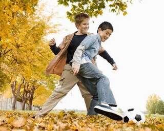 खेलने-कूदने से निखरेगा आपके बच्चे का व्यक्तित्व