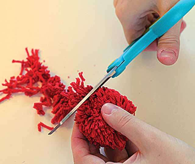 DIY: How to make flower pom-pom bucket?