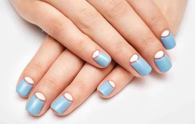 Simple, yet stylish nail arts