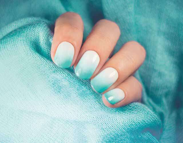 Simple, yet stylish nail arts