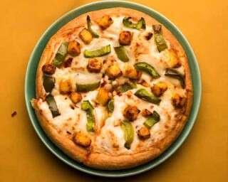 कढ़ाही पनीर पिज़्ज़ा