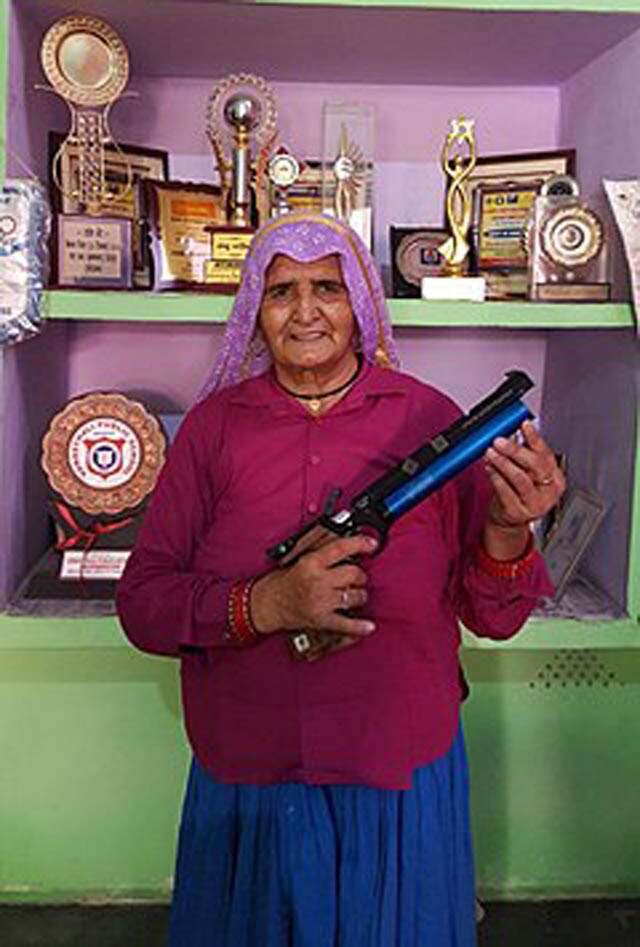 Who are the shooter dadis, who started shooting after age of 60