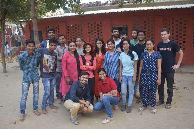 Meet Varanasi Girl Tina Jain making government schools beautiful and attractive