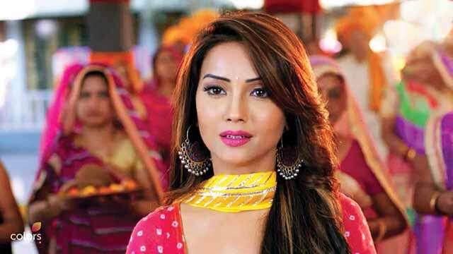 Review: Vish ya Amrit-Sitara