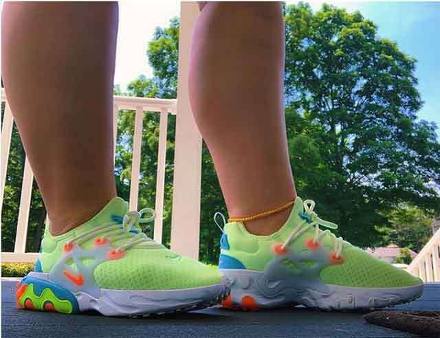 Try colorful sneakers for rainy season