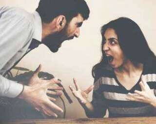 शादीशुदा जोड़ों के झगड़े के 5 ख़तरनाक पैटर्न