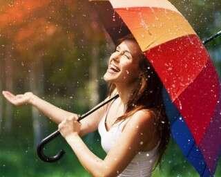 बारिश के दौरान कैसे रखें अपने पैरों का ख़्याल?