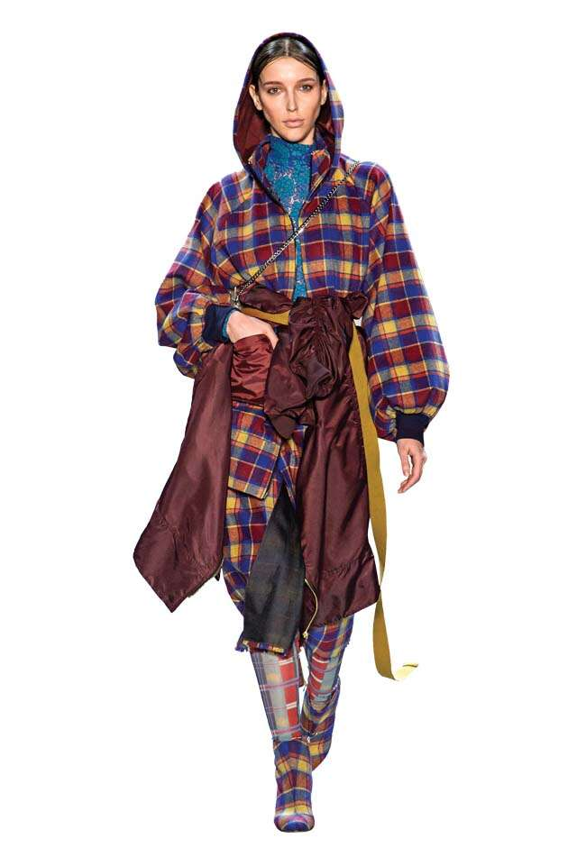 ways to style plaid trend