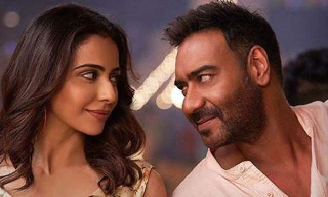 Review of Ajay Devgan and Tabu's film De De Pyaar De