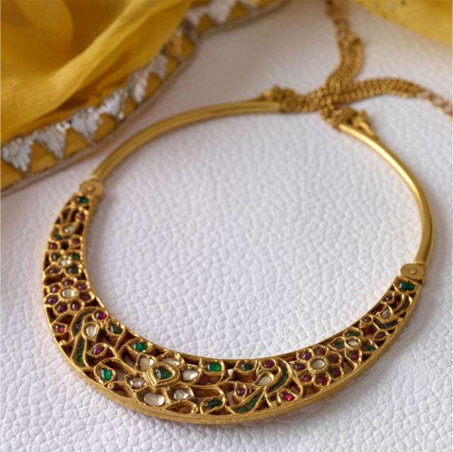 Traditional necklet's are still in trend with some change