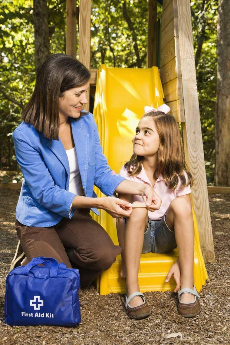 5 होम रिपेयर स्किल्स, जो बच्चों को ज़रूर सिखाएं