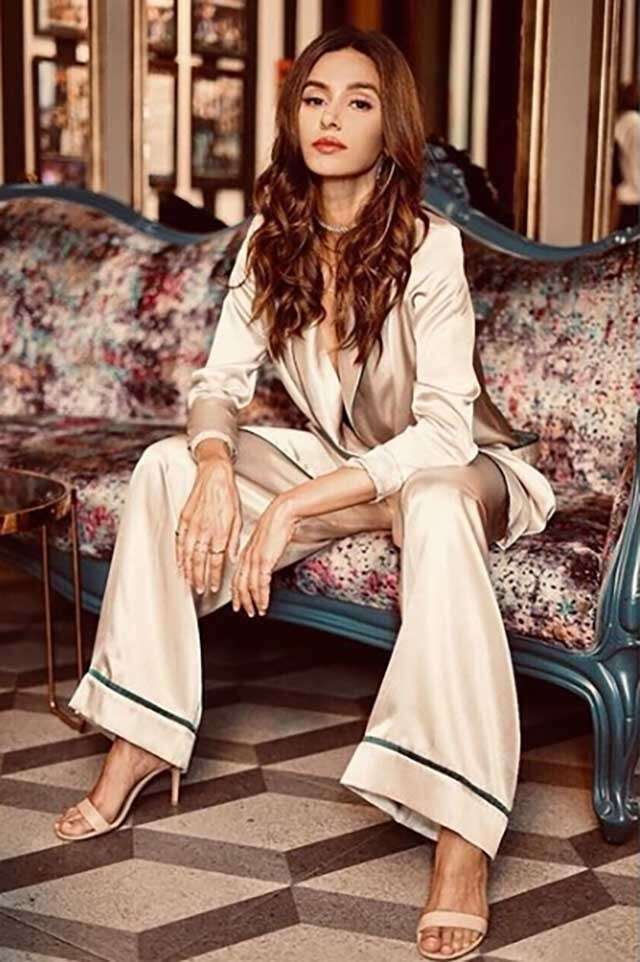 Shibani Dandekar is teaching fashion lessons