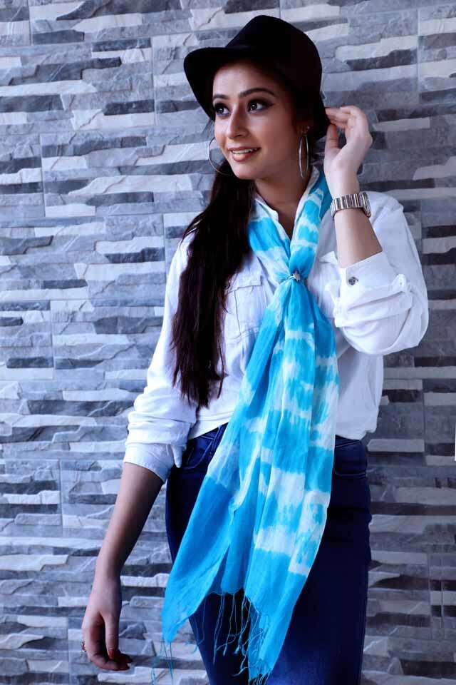 How to style scarf with different outfits?