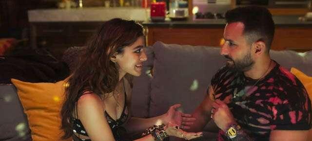 Review of Saif ali khan and Alaya Furniturewala 's Jawaani J
