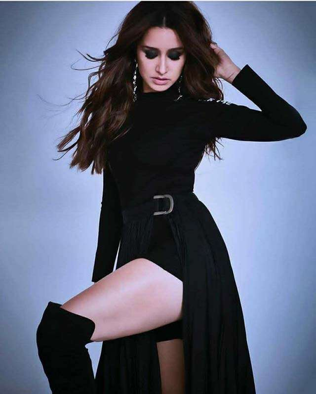 Bollywood celebs black outfits looks