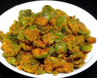 बेसन और शिमला मिर्च की सब्ज़ी