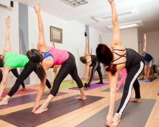 बढ़ती कैलोरी को योग से करें बर्न