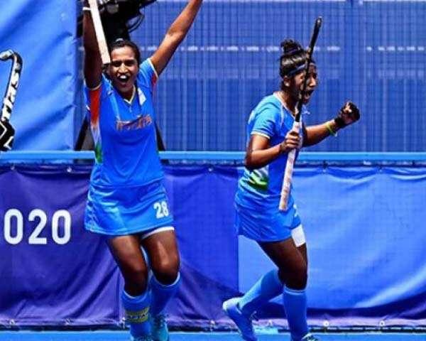 भारतीय महिलाओं ने रचा इतिहास, पहुंची ओलंपिक सेमीफ़ाइनल में