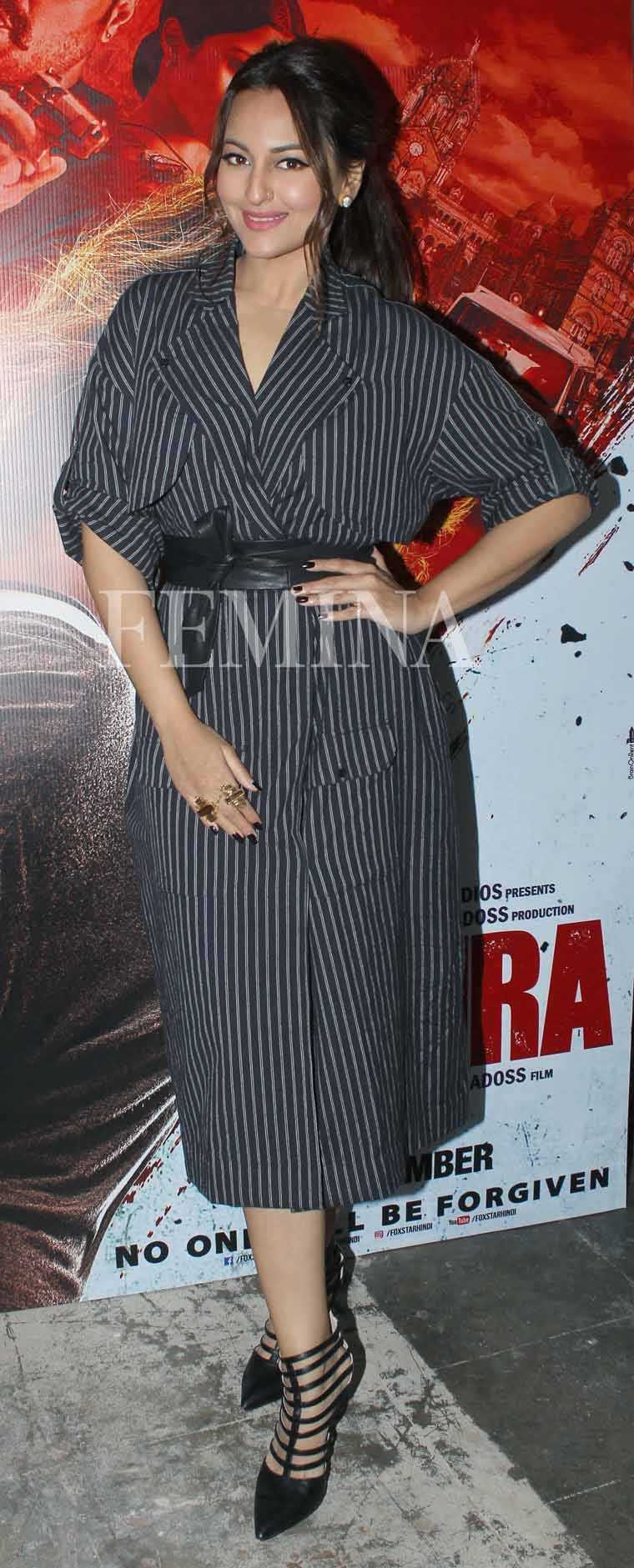 Sonakshi stays polished while keeping it casual in a striped coat dress by Ikai teamed with a pair of point-toe stilettoes.
