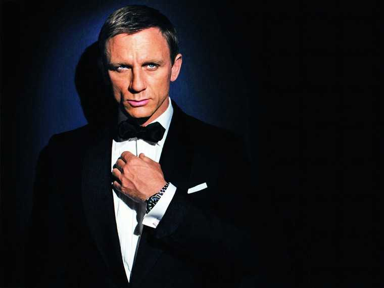 DANIEL CRAIG  Probably the most raw, rugged and chiselled man today, Daniel Craig took everyone by storm when he walked onto the screen in Casino Royale and people still haven't recovered from it – remember that scene in those sexy blue swimming trunk