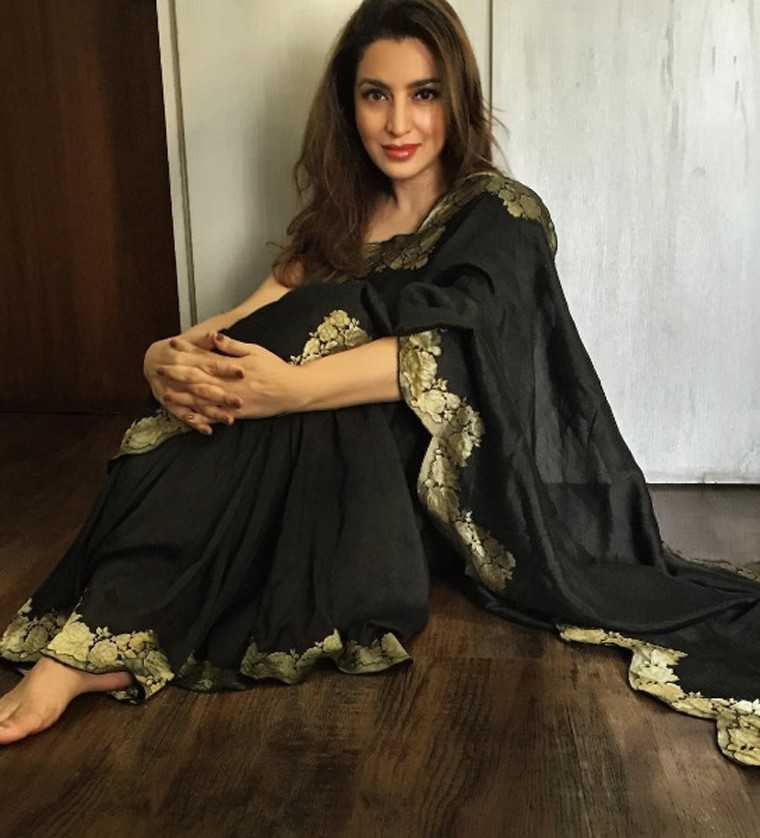 TISCA CHOPRA: The actor put paid to the idea of handloom being uncomfortable by looking super at ease in her delicate Raw Mango number with a pretty gold border.