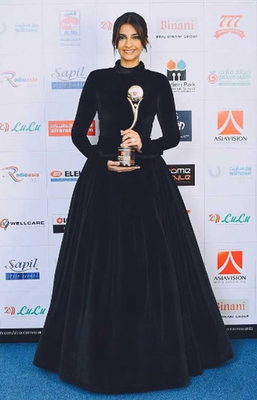 Sonam Kapoor's velvet Bulgari gown