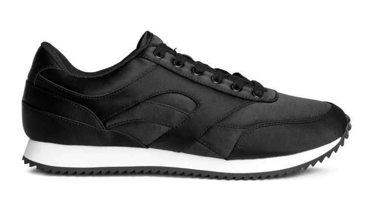 Black-sneakers-hm