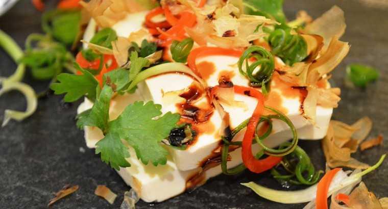 Hiyayakko tofu salad