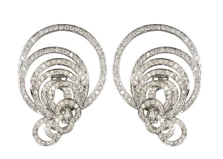 Diamond-earring-ritika-bhasin