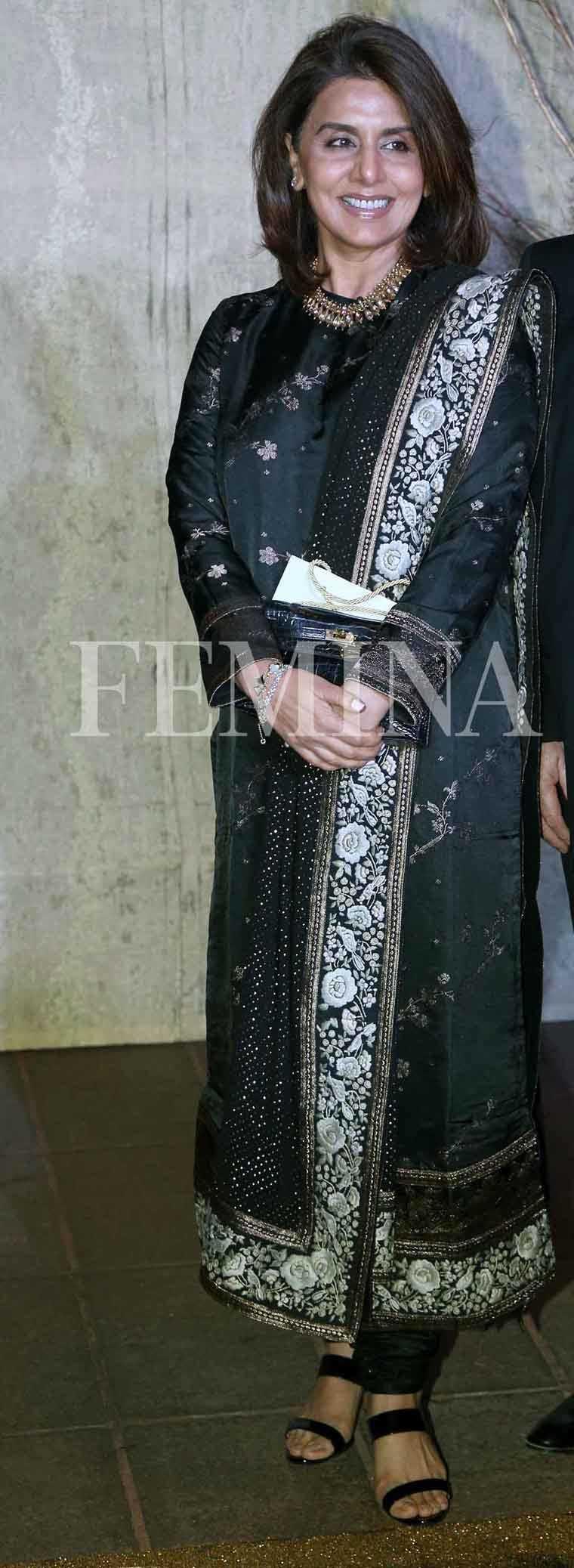 Neetu-Singh-Kapoor-suit-Sabyasachi-party-dressing-ideas