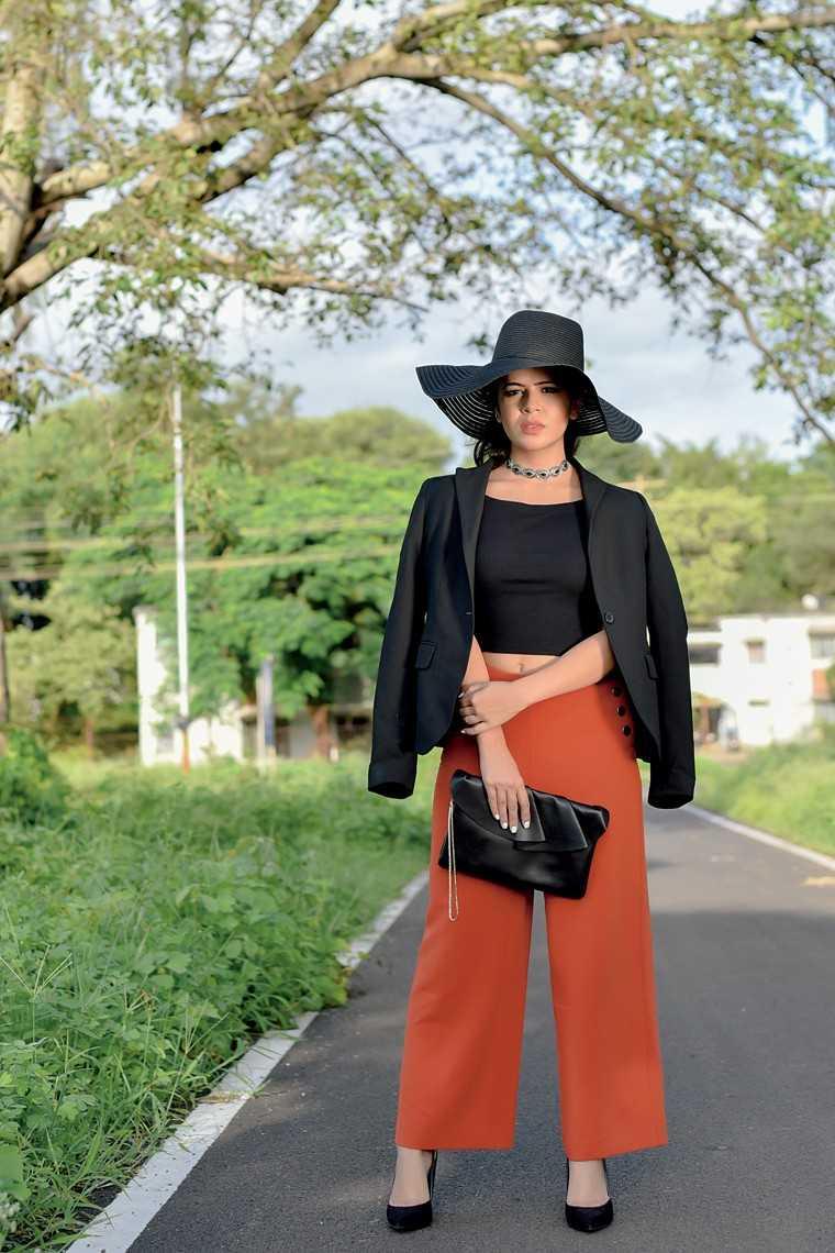 Pooja Sharma fashion blogger