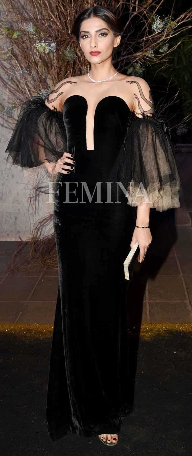 Sonam-Kapoor-manish-malhotra-birthday-party