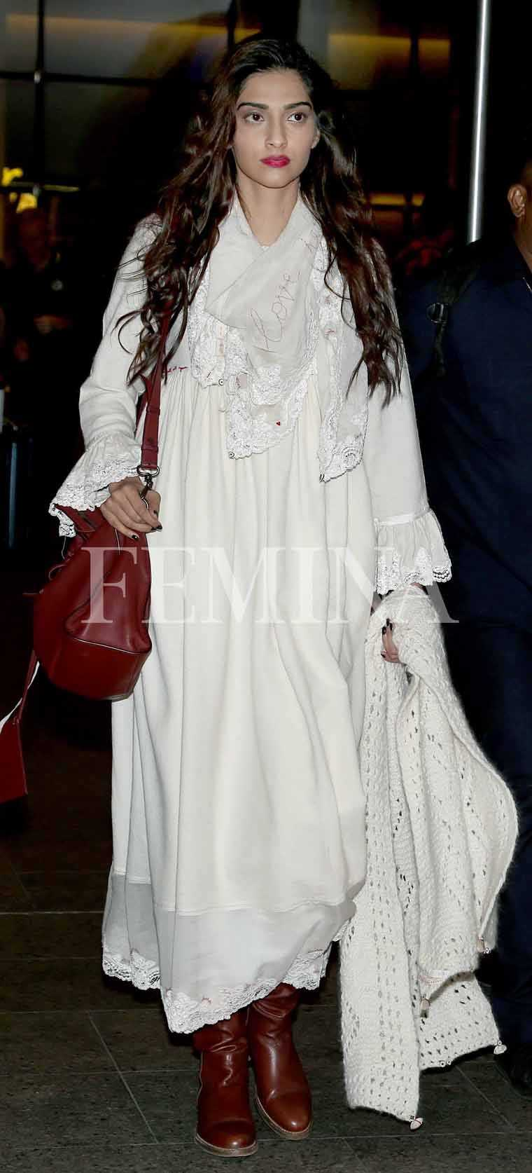Sonam-Kapoor-white-dress-airport