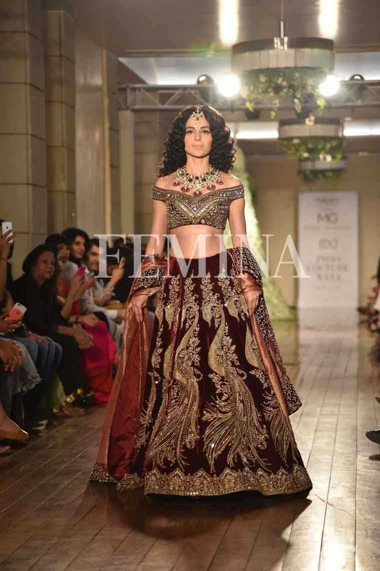 Kangana Ranaut @ Manav Gangwani:   Kangana Ranaut channeled a Mughal empress as the showstopper at Manav Gangwani's couture show in an ornate velvet lehenga choli.